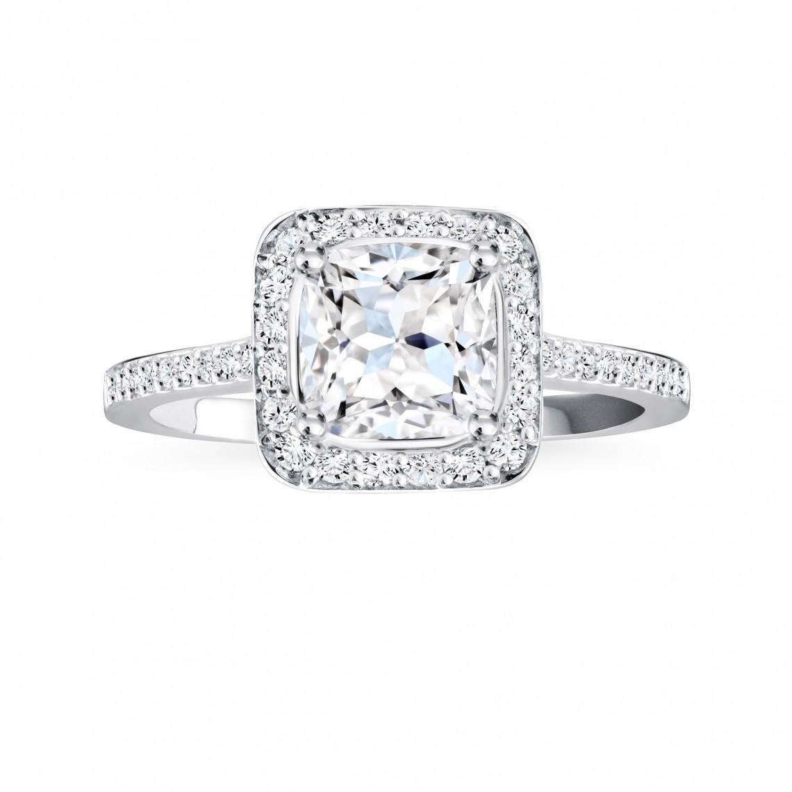 Birks Amorique® Pavé Diamond Engagement Ring Image